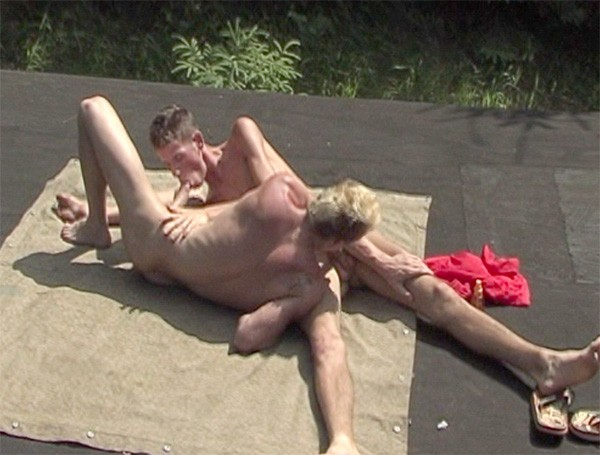 Jizz Junkies DVD - Gallery - 015